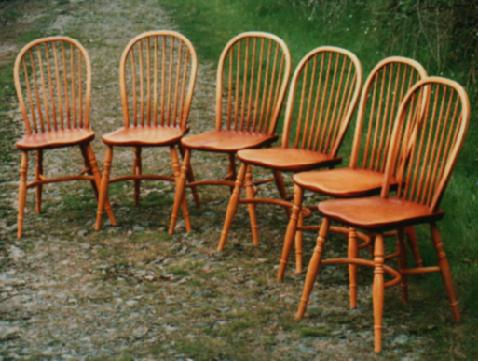A set of Windsor dining chairs with crinoline stretchers