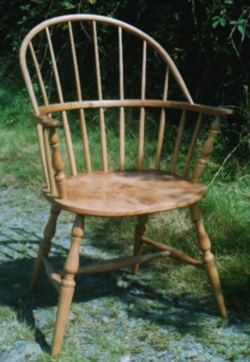 Wide Sack Back Windsor Chair